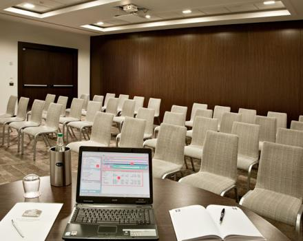 Discover how to organize your conferences in Milan Trezzano Sul Naviglio at the Best Western Hotel Golden Mile