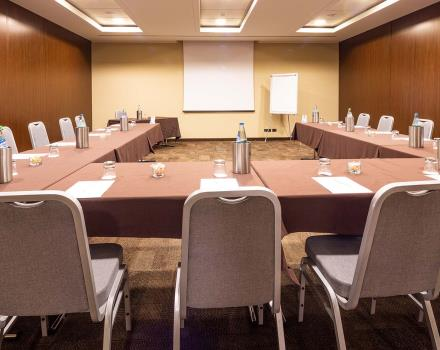 Organize your meeting with Hotel Goldenmile Milan, 4 stars in Trezzano on the Naviglio, just outside Milan!